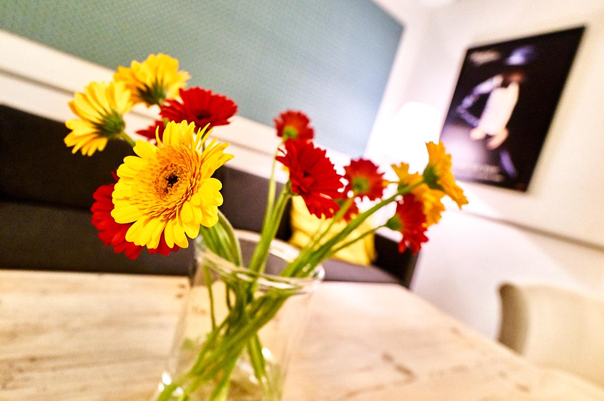 Blomster_på_Holmegaardshuset